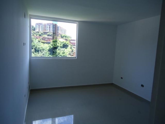 Apartamento Distrito Metropolitano>Caracas>Colinas de La Tahona - Venta:30.816.000 Precio Referencial - codigo: 18-16657