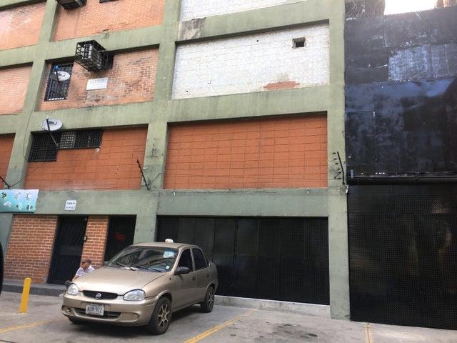 Local Comercial Distrito Metropolitano>Caracas>Plaza Venezuela - Venta:22.012.000 Precio Referencial - codigo: 18-16666