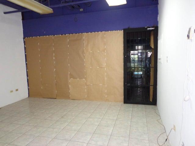Local Comercial Distrito Metropolitano>Caracas>El Marques - Venta:28.000 Precio Referencial - codigo: 18-16678