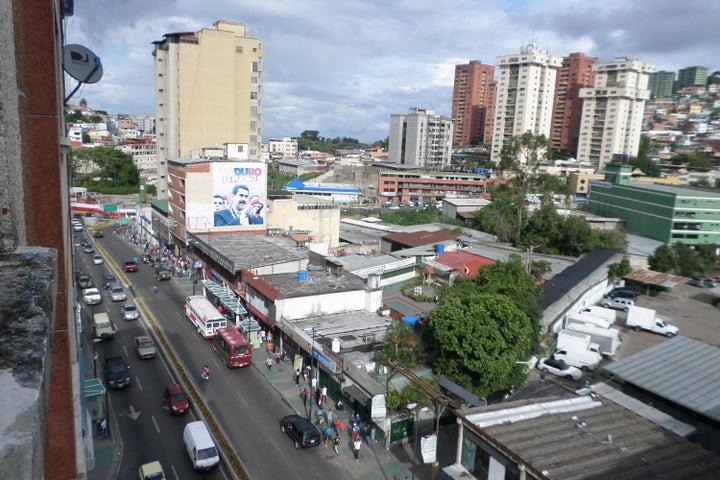 Apartamento Miranda>Los Teques>Municipio Guaicaipuro - Venta:50.254.000 Precio Referencial - codigo: 18-16682