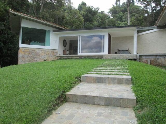 Casa Distrito Metropolitano>Caracas>Alto Hatillo - Venta:1.200.000 Precio Referencial - codigo: 18-16693