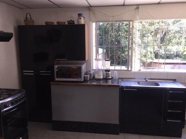 Casa Distrito Metropolitano>Caracas>Montecristo - Venta:130.000 Precio Referencial - codigo: 18-16694