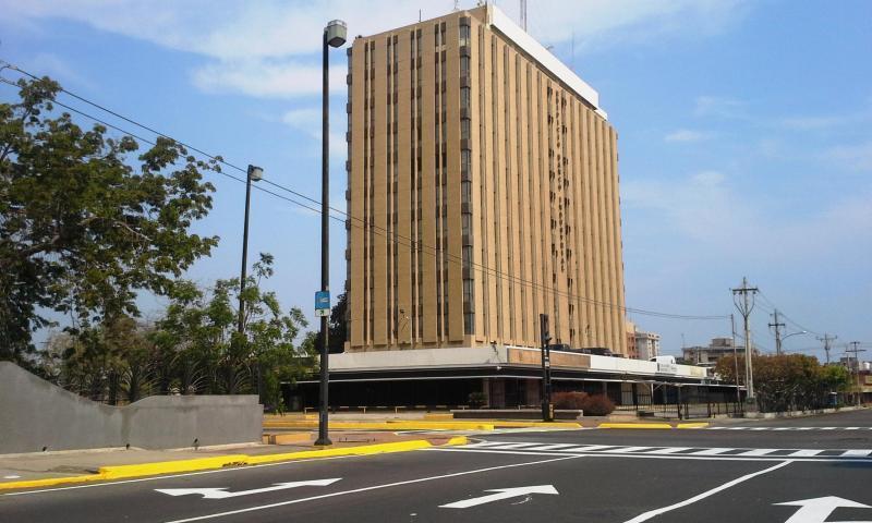 Oficina Zulia>Maracaibo>5 de Julio - Alquiler:450 US Dollar - codigo: 18-16740