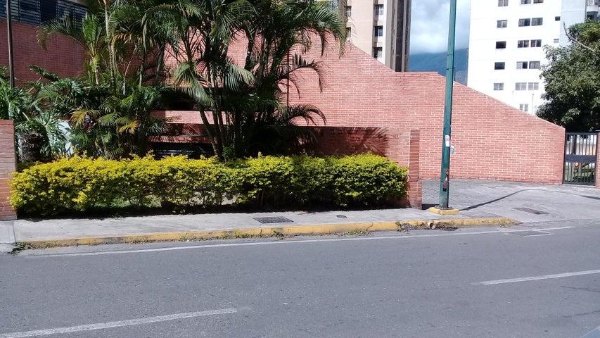 Apartamento Distrito Metropolitano>Caracas>Lomas del Avila - Venta:35.000 Precio Referencial - codigo: 18-16746