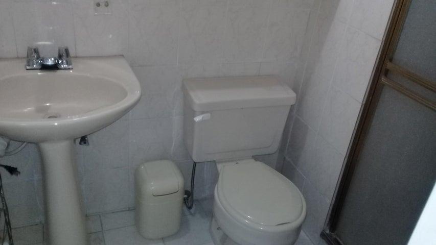 Apartamento Distrito Metropolitano>Caracas>Lomas del Avila - Venta:24.000 US Dollar - codigo: 18-16746