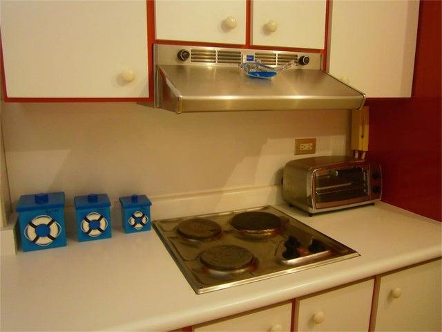 Apartamento Miranda>Higuerote>Agua Sal - Venta:30.000 US Dollar - codigo: 18-16742