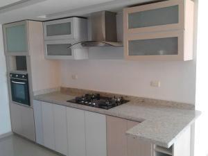 Apartamento Zulia>Maracaibo>El Milagro Norte - Alquiler:200 Precio Referencial - codigo: 18-16824
