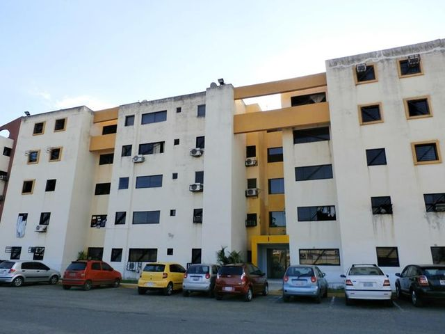 Apartamento Carabobo>Municipio Los Guayos>Paraparal - Venta:17.855.000 Precio Referencial - codigo: 18-16906