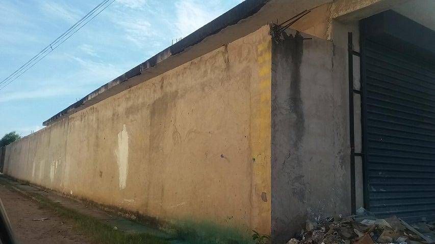 Terreno Zulia>Ciudad Ojeda>Avenida Vargas - Venta:15.000 Precio Referencial - codigo: 18-16935