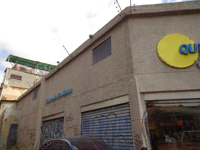 Local Comercial Distrito Metropolitano>Caracas>Parroquia Altagracia - Venta:250.000 Precio Referencial - codigo: 19-822
