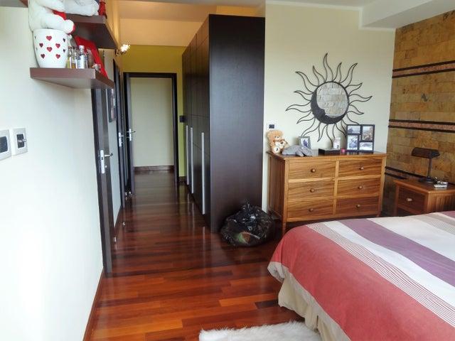 Casa Distrito Metropolitano>Caracas>La Lagunita Country Club - Venta:1.790.000 Precio Referencial - codigo: 19-4005