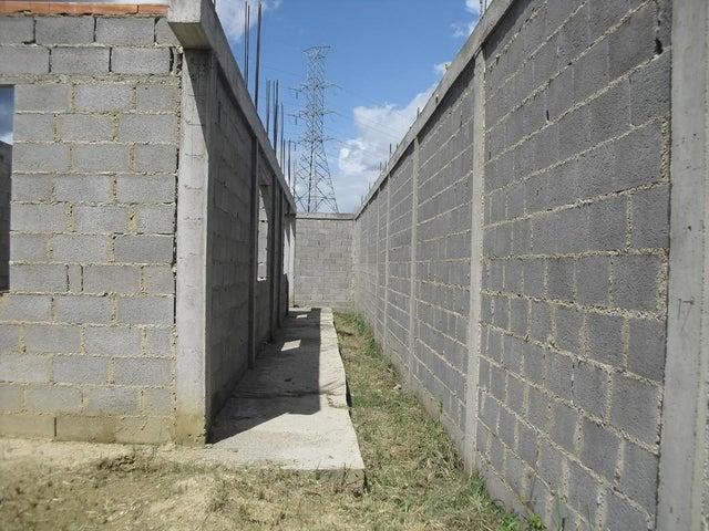 Terreno Lara>Cabudare>El Placer - Venta:3.600 Precio Referencial - codigo: 19-14