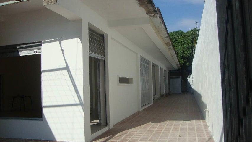 Local Comercial Lara>Barquisimeto>Del Este - Alquiler:150 Precio Referencial - codigo: 19-48