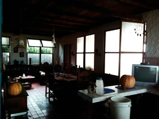 Casa Lara>Barquisimeto>El Manzano - Venta:6.000 Precio Referencial - codigo: 19-65