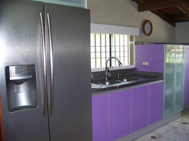 Casa Miranda>Guatire>El Castillejo - Venta:40.000 Precio Referencial - codigo: 19-156