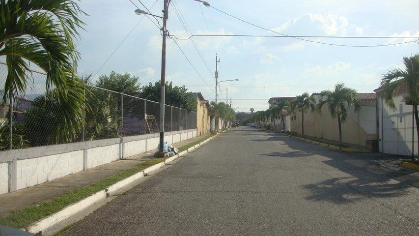 Casa Lara>Cabudare>Santa Cecilia - Venta:35.000 Precio Referencial - codigo: 19-159