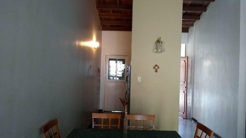 Casa Lara>Cabudare>La Mora - Venta:14.000 Precio Referencial - codigo: 19-178