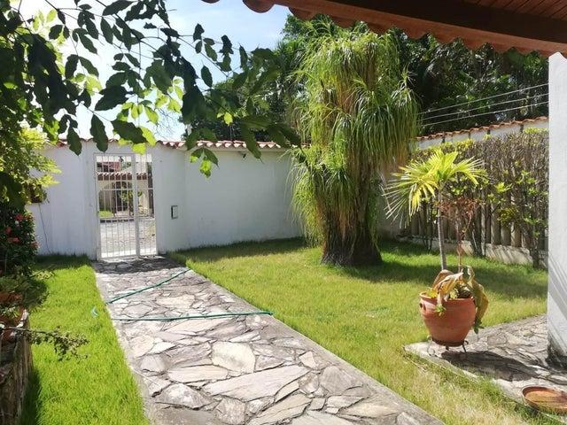 Casa Lara>Barquisimeto>Parroquia Santa Rosa - Venta:180.000 Precio Referencial - codigo: 19-184