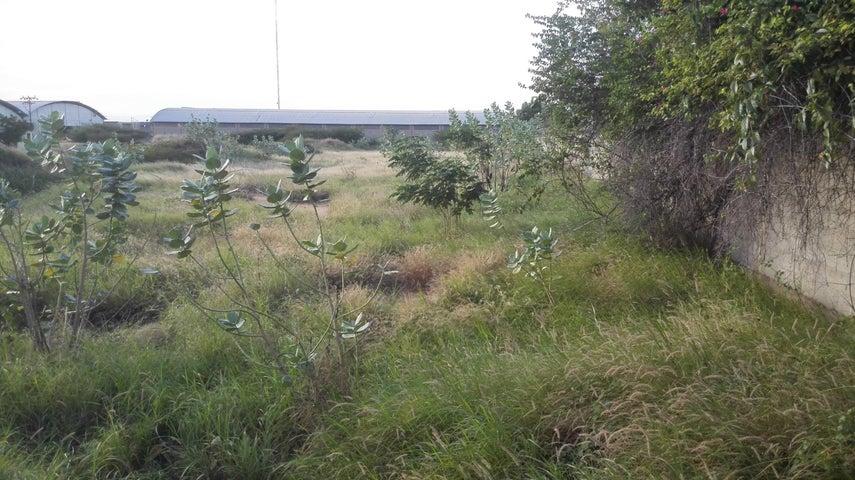 Terreno Zulia>Maracaibo>Zona Industrial Sur - Venta:210.000 Precio Referencial - codigo: 19-200