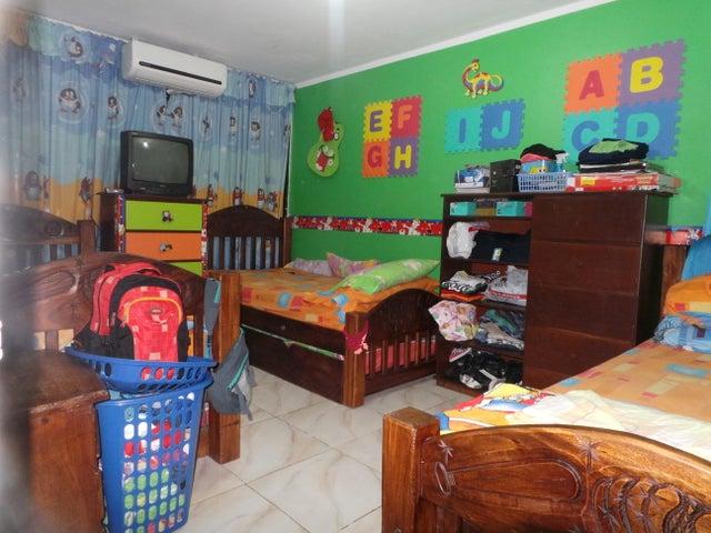 Apartamento Aragua>Cagua>Carretera Nacional - Venta:10.000 Precio Referencial - codigo: 19-257