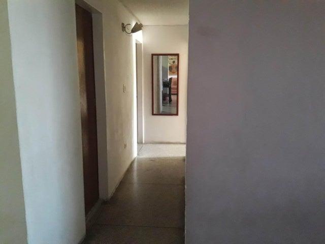 Apartamento Lara>Cabudare>La Mora - Venta:7.300 Precio Referencial - codigo: 19-264