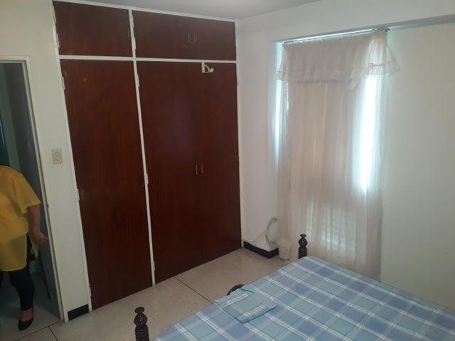 Apartamento Distrito Metropolitano>Caracas>Colinas de La California - Venta:90.000 Precio Referencial - codigo: 19-2228