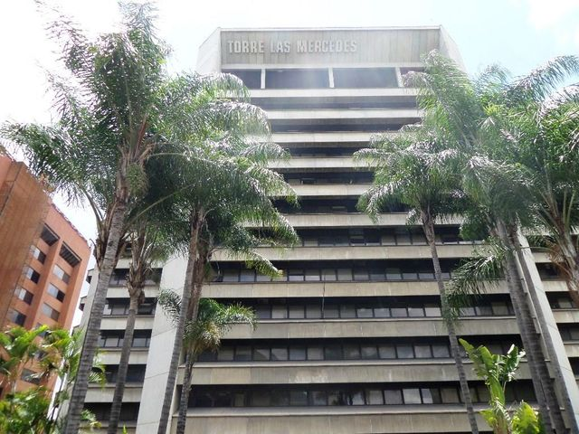 Oficina Distrito Metropolitano>Caracas>Chuao - Alquiler:1.000 Precio Referencial - codigo: 19-292