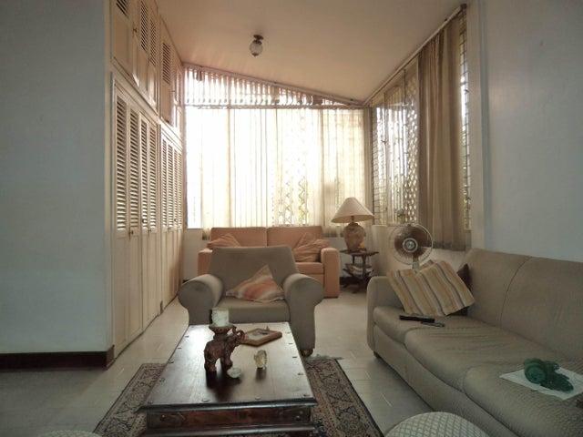 Casa Lara>Barquisimeto>Santa Elena - Venta:94.001 Precio Referencial - codigo: 19-321