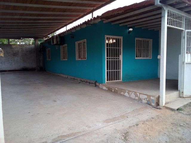 Casa Lara>Barquisimeto>El Manzano - Venta:13.000 Precio Referencial - codigo: 19-376