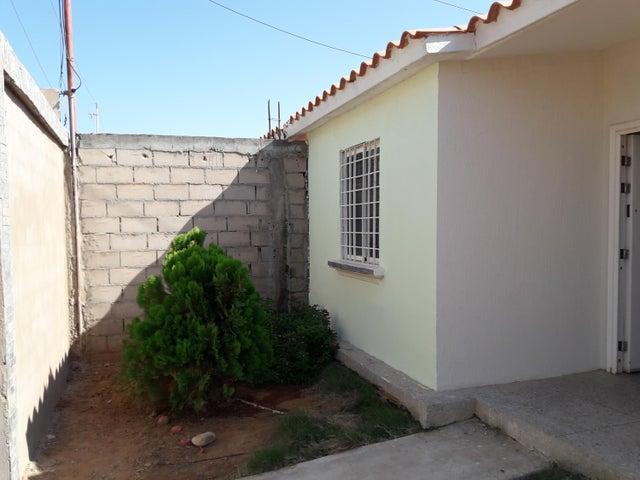 Casa Zulia>Municipio San Francisco>Los Samanes - Venta:3.500 US Dollar - codigo: 19-382