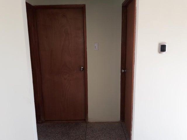 Casa Zulia>Municipio San Francisco>Los Samanes - Venta:8.332.000 Precio Referencial - codigo: 19-382