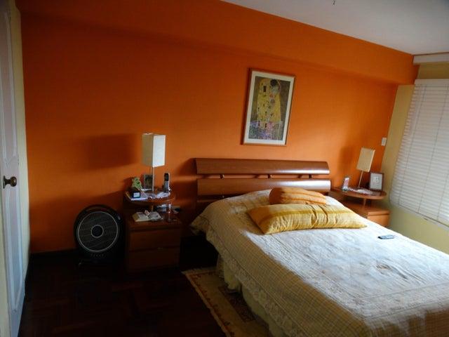 Apartamento Distrito Metropolitano>Caracas>La Alameda - Venta:120.000 Precio Referencial - codigo: 19-533