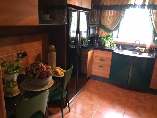 Apartamento Distrito Metropolitano>Caracas>El Recreo - Venta:60.000 Precio Referencial - codigo: 19-550