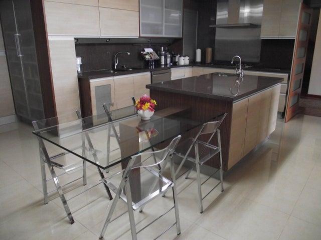 Casa Distrito Metropolitano>Caracas>Alto Hatillo - Venta:1.200.000 Precio Referencial - codigo: 19-564