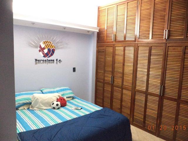 Casa Miranda>Charallave>Santa Rosa de Charallave - Venta:200.000 Precio Referencial - codigo: 19-588