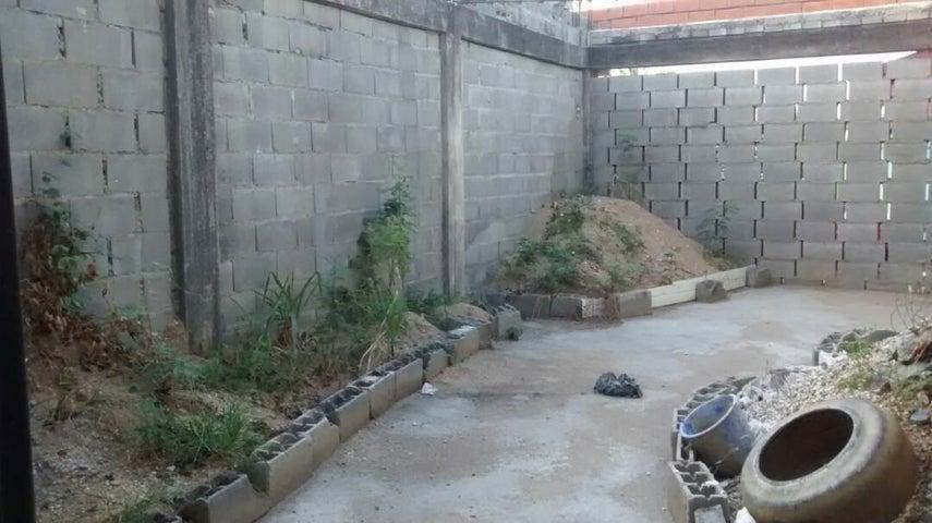Local Comercial Yaracuy>Yaritagua>Municipio Peña - Venta:6.000 Precio Referencial - codigo: 19-594
