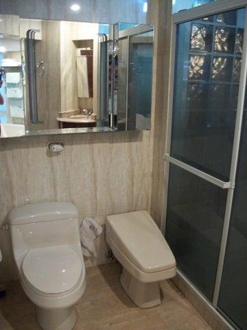 Apartamento Distrito Metropolitano>Caracas>La Campiña - Venta:250.000 Precio Referencial - codigo: 19-603
