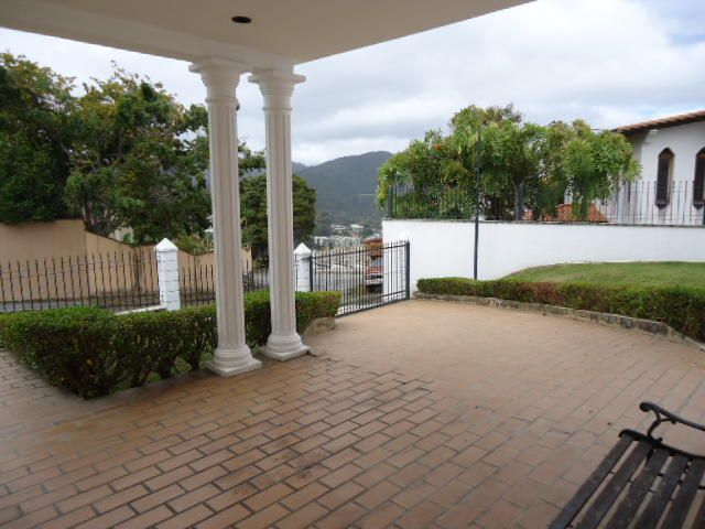 Casa Distrito Metropolitano>Caracas>Monterrey - Venta:300.000 Precio Referencial - codigo: 19-636