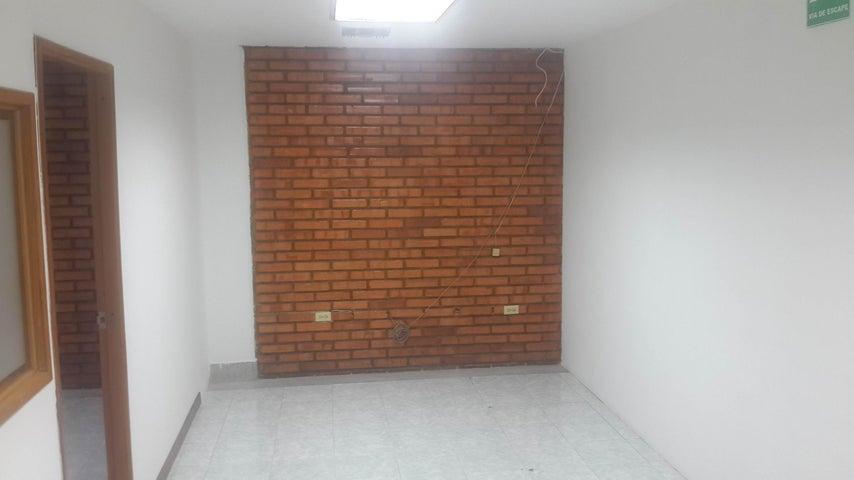 Oficina Lara>Barquisimeto>Centro - Alquiler:130 Precio Referencial - codigo: 19-652