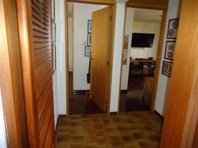Apartamento Distrito Metropolitano>Caracas>Macaracuay - Venta:78.000 Precio Referencial - codigo: 19-677