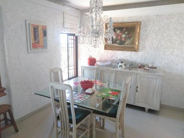Apartamento Zulia>Maracaibo>Valle Frio - Venta:20.000 Precio Referencial - codigo: 19-684