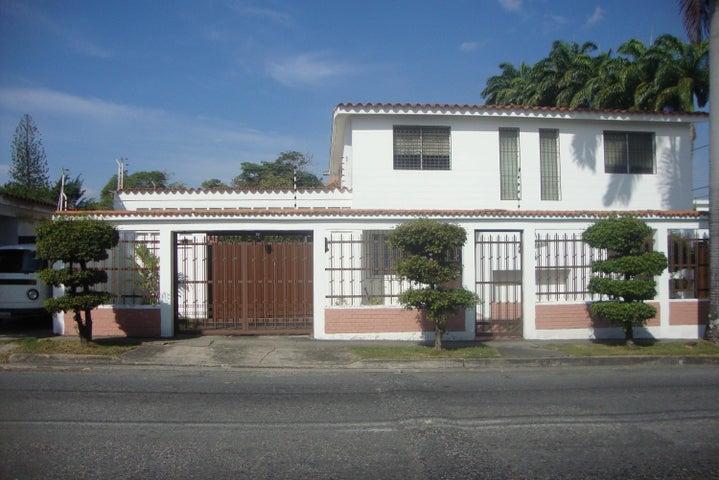 Casa Lara>Barquisimeto>Barisi - Venta:90.000 Precio Referencial - codigo: 19-688