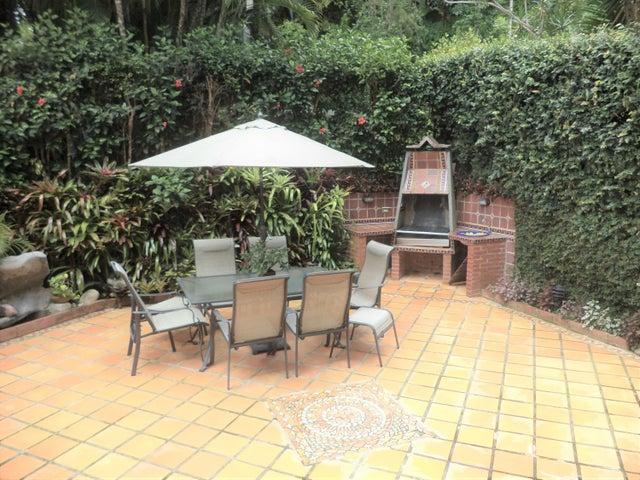 Casa Distrito Metropolitano>Caracas>La Boyera - Venta:320.000 Precio Referencial - codigo: 19-729