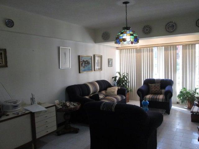 Apartamento Distrito Metropolitano>Caracas>El Paraiso - Venta:45.000 Precio Referencial - codigo: 19-745