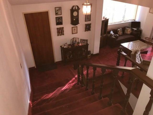 Casa Distrito Metropolitano>Caracas>La Lagunita Country Club - Venta:800.000 Precio Referencial - codigo: 19-860