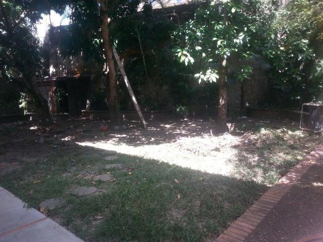 Casa Distrito Metropolitano>Caracas>El Marques - Venta:250.000 Precio Referencial - codigo: 19-832