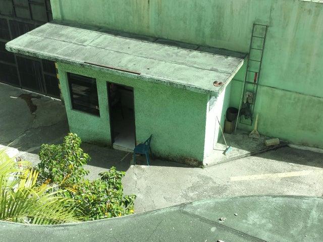 Galpon - Deposito Distrito Metropolitano>Caracas>La Yaguara - Venta:1.500.000 Precio Referencial - codigo: 19-879