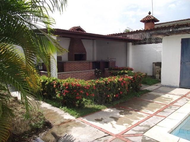 Casa Miranda>Higuerote>Mamporal - Venta:4.500 Precio Referencial - codigo: 19-958
