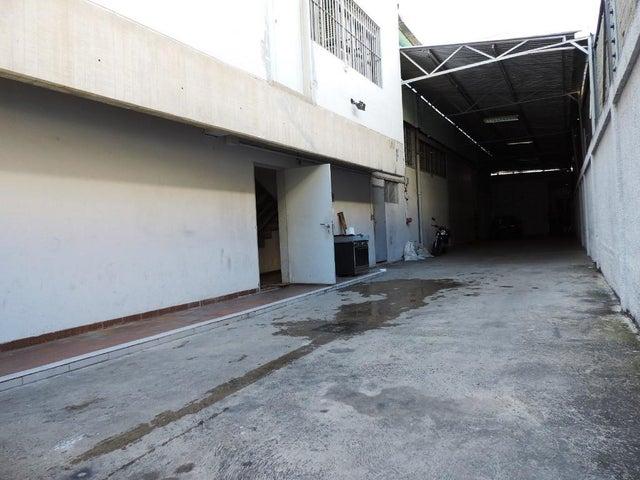 Edificio Distrito Metropolitano>Caracas>La Urbina - Venta:4.700.000 Precio Referencial - codigo: 19-996