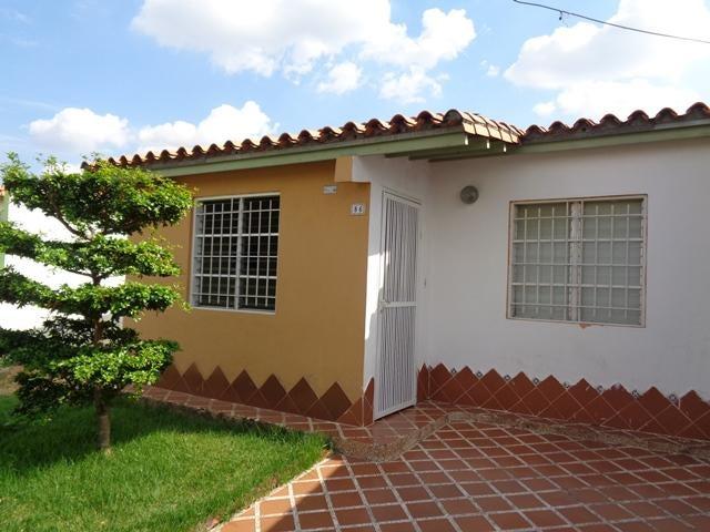 Casa Portuguesa>Acarigua>Centro - Venta:8.510.000 Precio Referencial - codigo: 19-1044